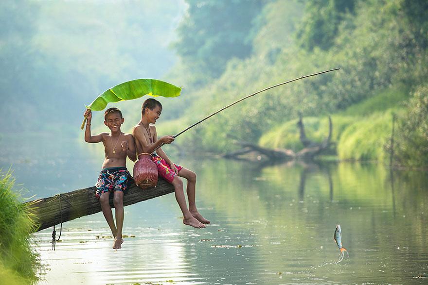 bambini-felici-giocano-016